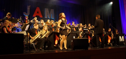 Die Big Band JAM - Jazz And More beim Konzert 2012 in der Singoldhalle Bobingen